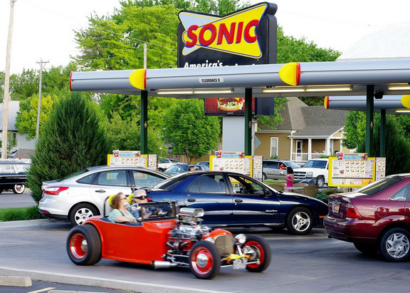 SONIC CRUISE NIGHT